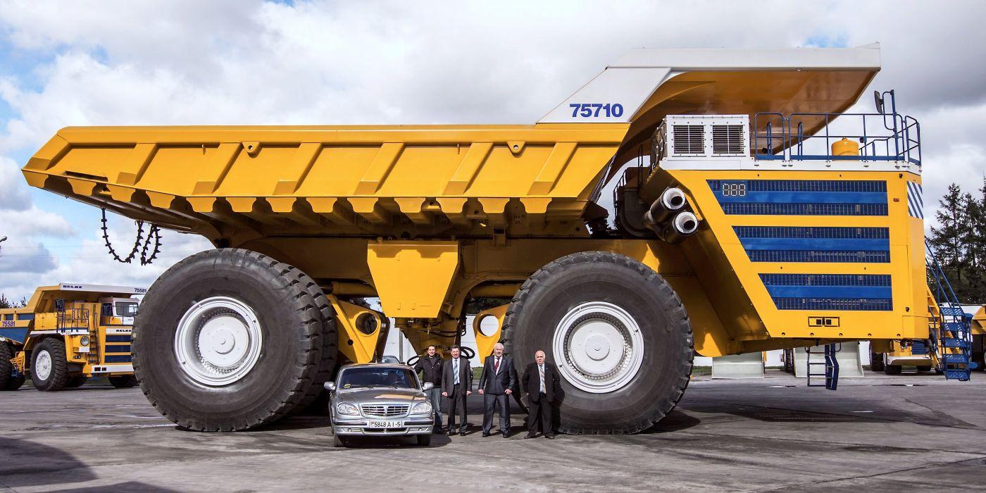 BelAZ 75710 quarry dump semi tractor construction wallpaper