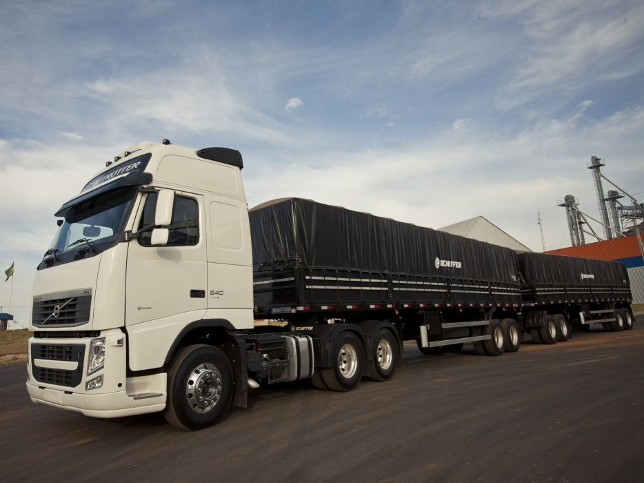 2008 Volvo F-H 540 6x2 semi tractor wallpaper