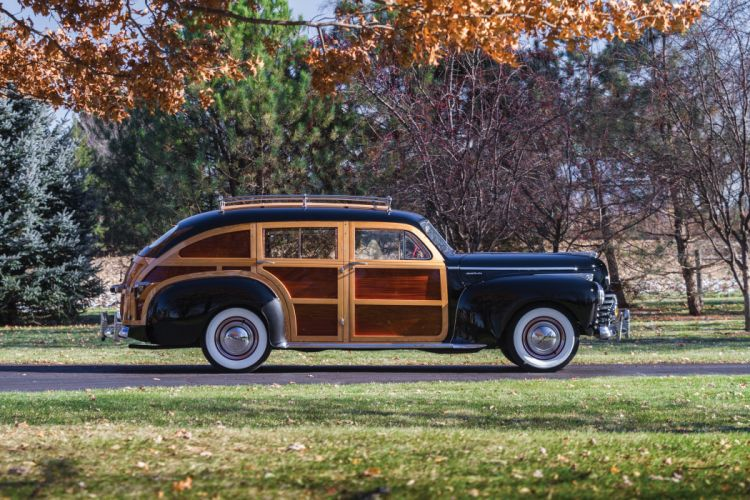 1941 Chrysler Windsor Town Country StationWagon (C-28) retro woody wallpaper