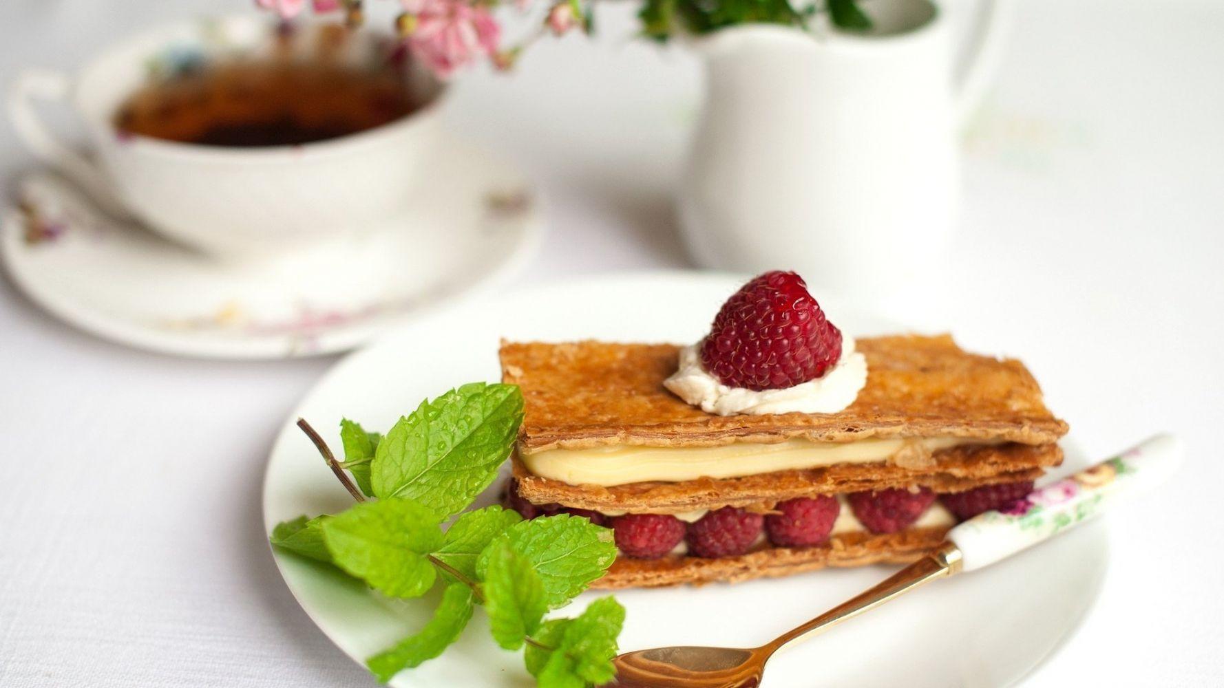 картинка чашка чая и десерт свой почтенный
