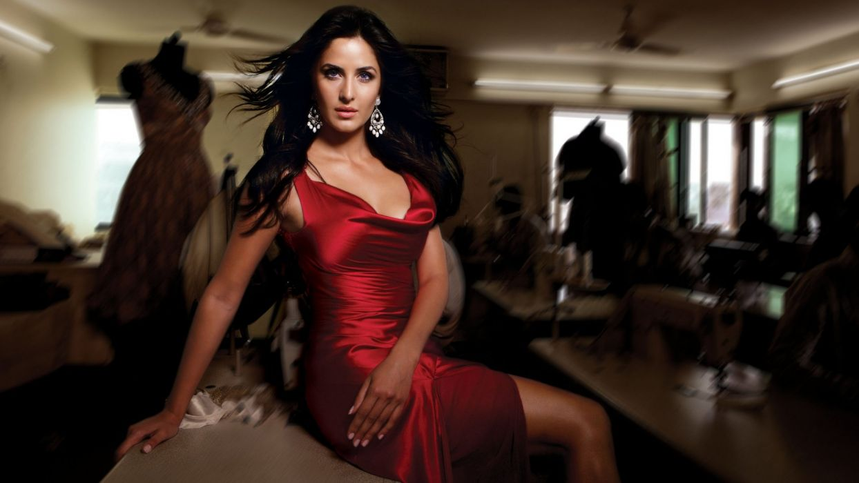 LADY IN RED - katrina kaif celebrities dress wallpaper