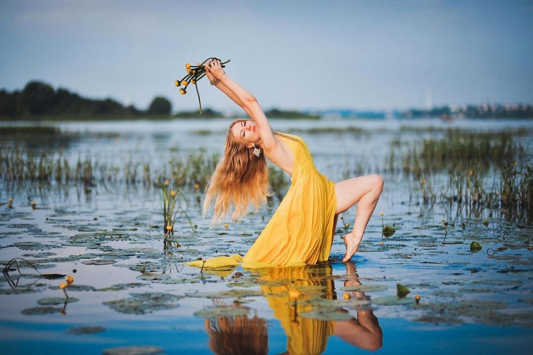 LADY IN YELLOW - dress girl water dancing pond wallpaper