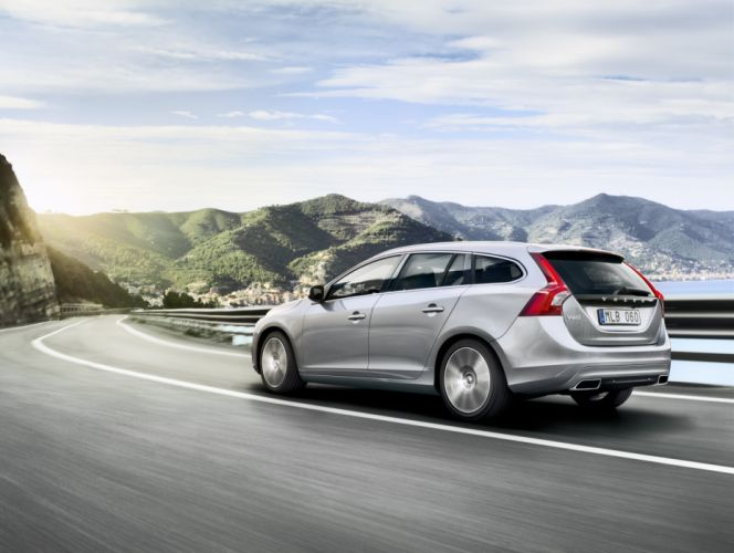 Volvo V60 5 doors stationwagon car 2014 wallpaper