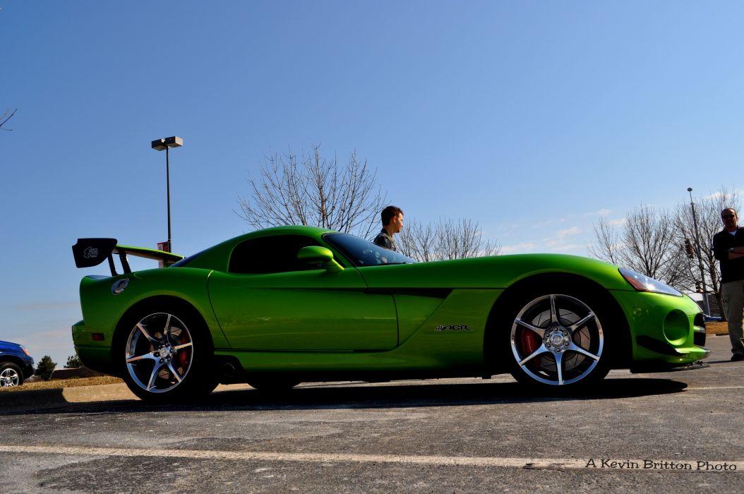 Green Dodge Viper Wallpaper