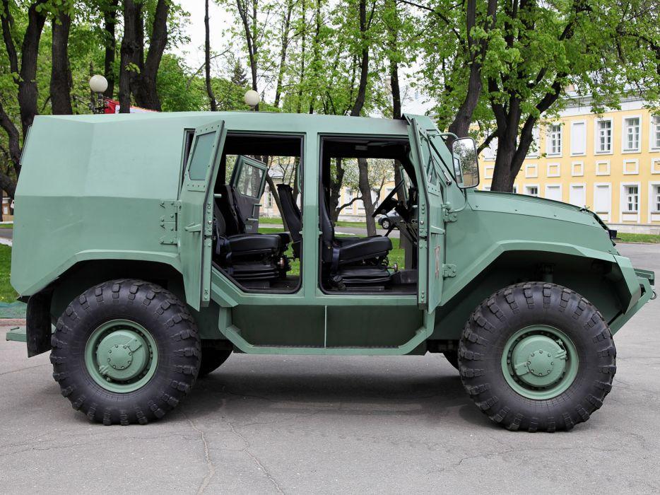 2014 UAMZ Toros Basic experienced military 4x4 police transport apc swat emergency wallpaper