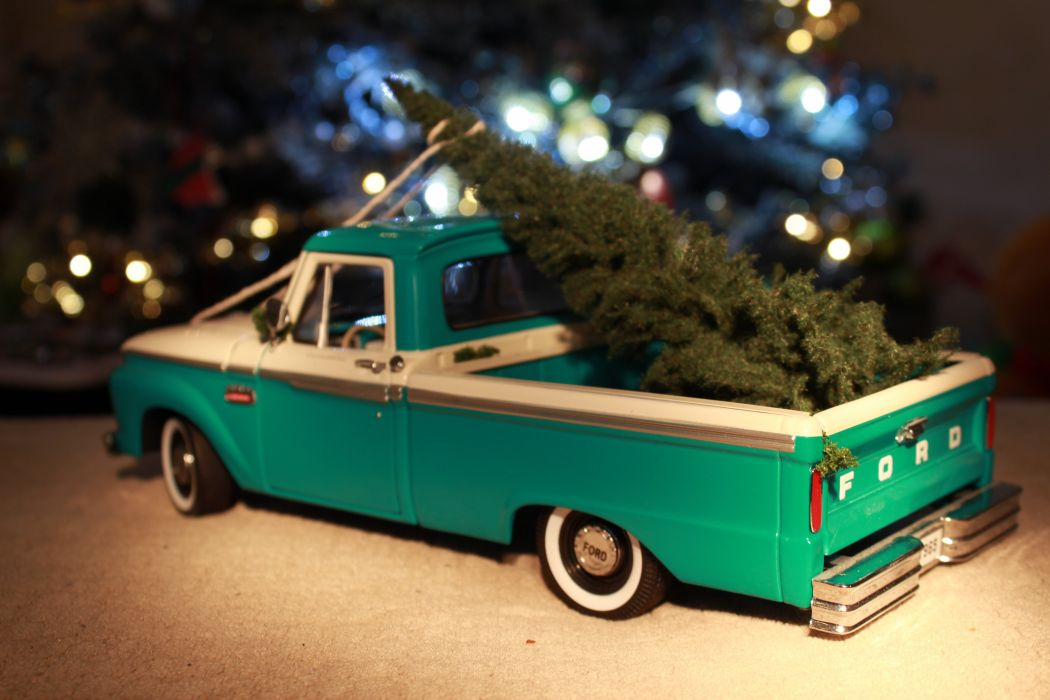1-18 scale 1965 Ford F-100 wallpaper
