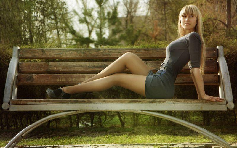SENSUALITY - beautiful gil legs relaxing bench wallpaper