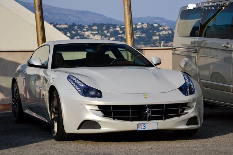 ferrari Ferrari FF FF 2+2 coupe supercars cars italia white blanc wallpaper