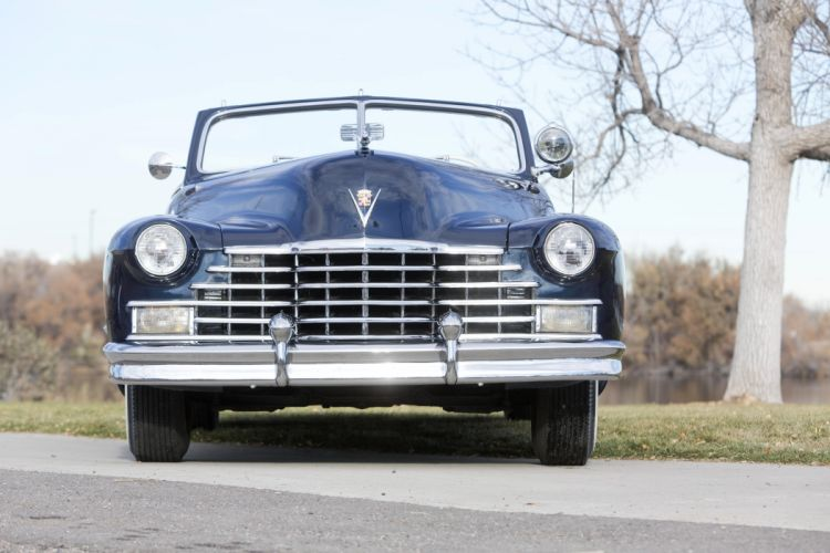 1946 Cadillac Sixty-Two Convertible 6267D luxury retro wallpaper