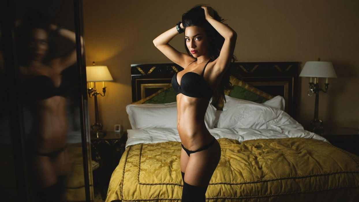 SESUALITY - sensuous brunette belly legs lingerie stockings bed mirror wallpaper