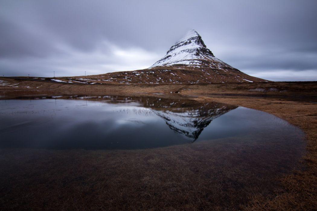 kirkjufell volcano mountain river Iceland reflection wallpaper