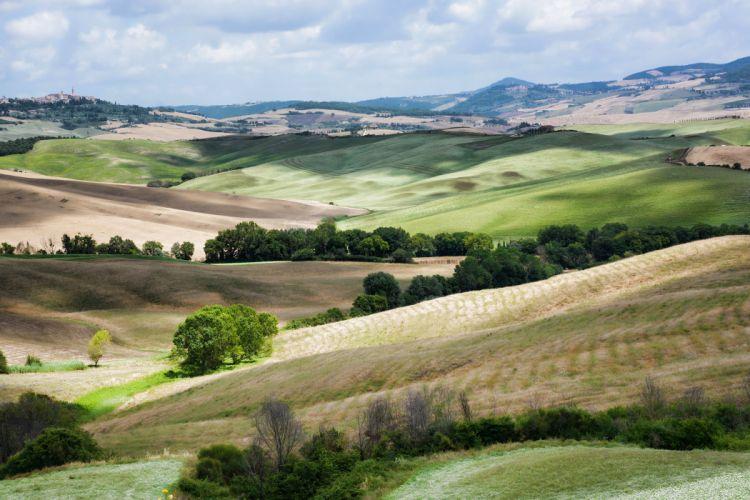 landscape italy hills fields Tuscany wallpaper