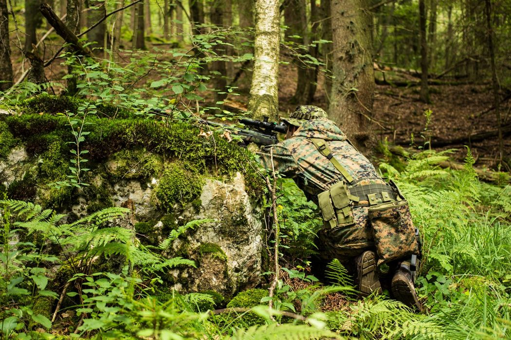 assault guns Military rifle weapons airsoft game toys Combat team wallpaper