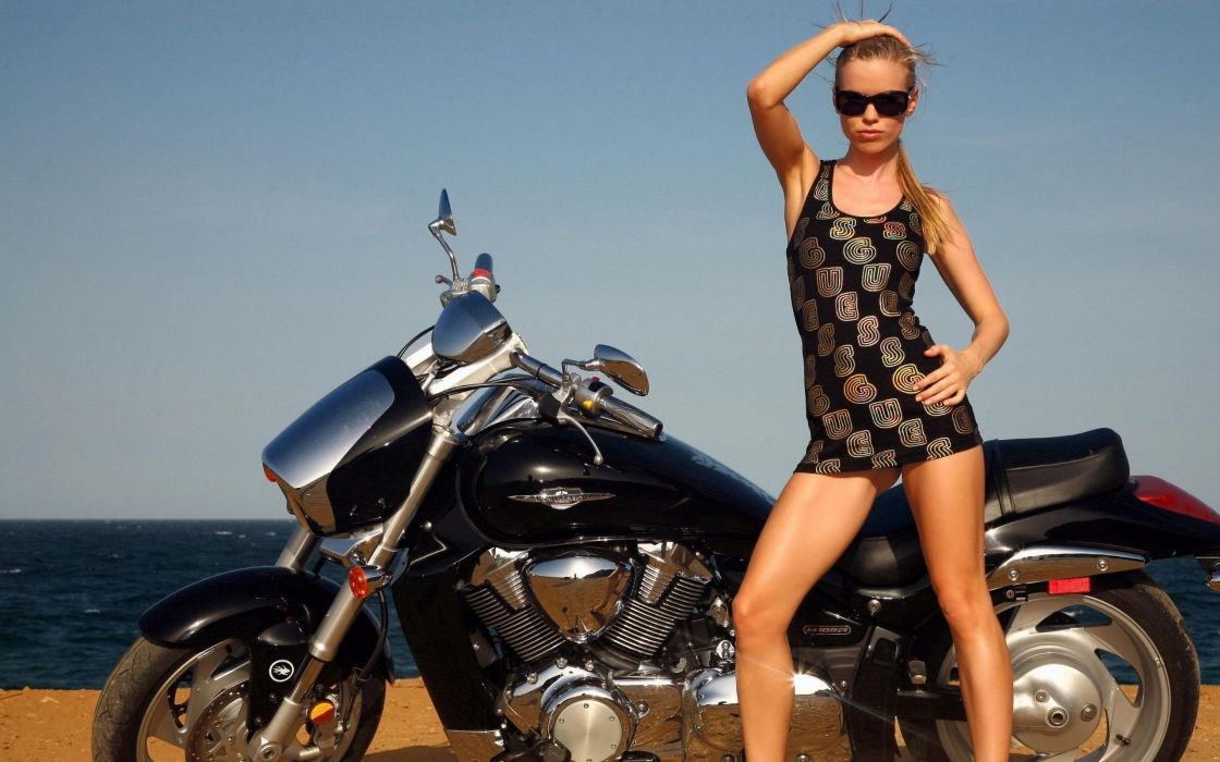 WOMEN AND MACHINES - motorcycle girl blonde legs sunglasses boot sea Posing wallpaper