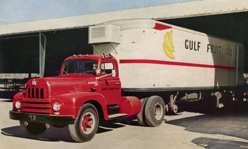 1953 International R-195 Roadliner Tractor semi retro wallpaper