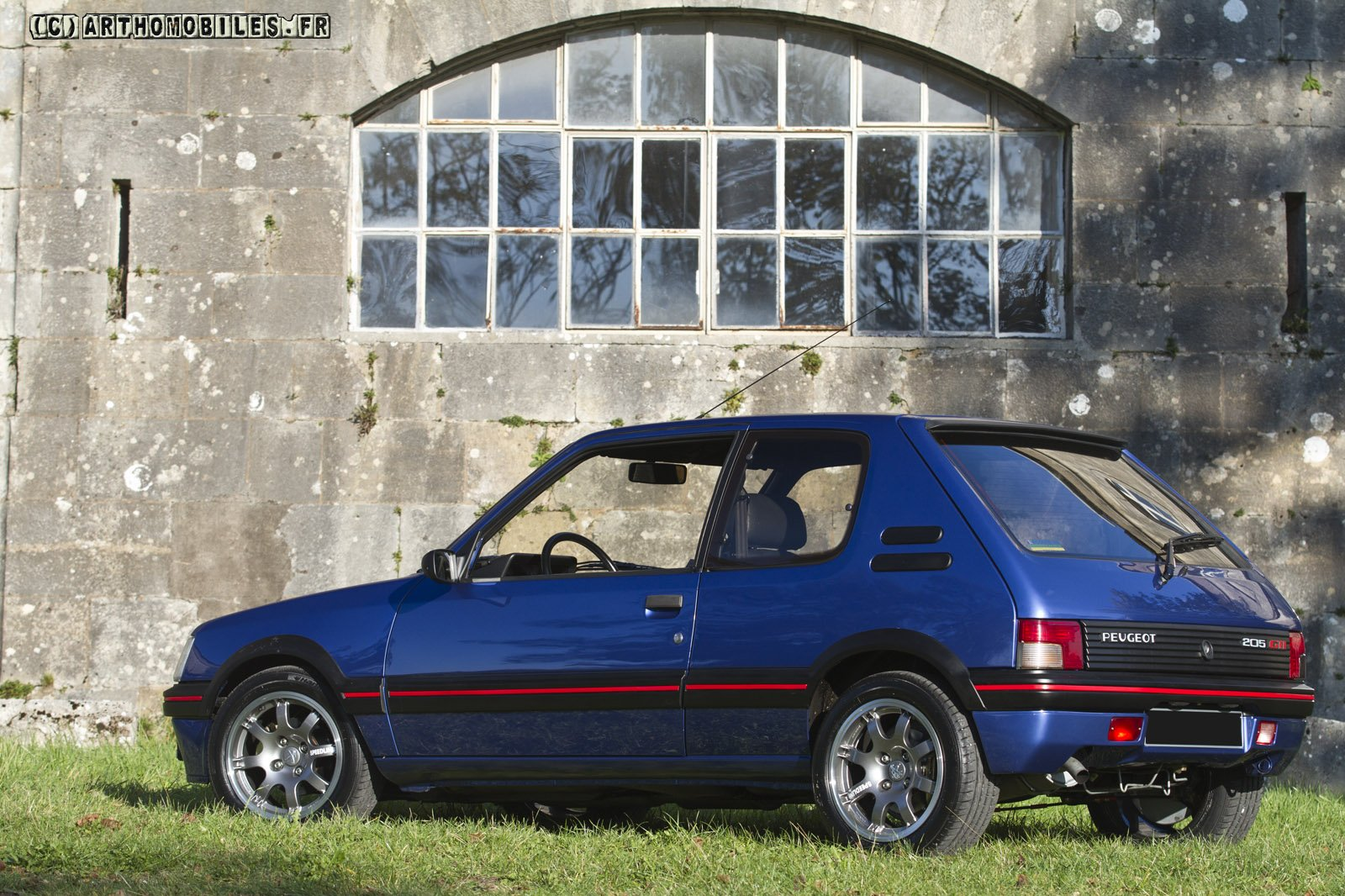 peugeot 205 gti cars coupe french bleu blue wallpaper 1600x1066 562484 wallpaperup. Black Bedroom Furniture Sets. Home Design Ideas