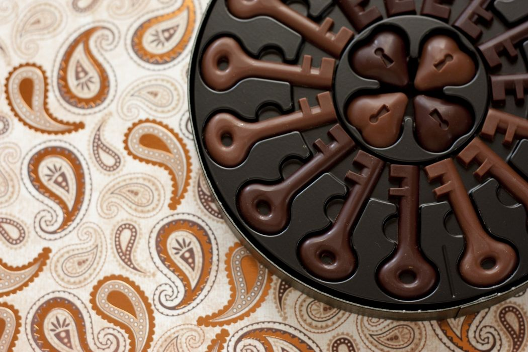 Chocolate keys hearts wallpaper