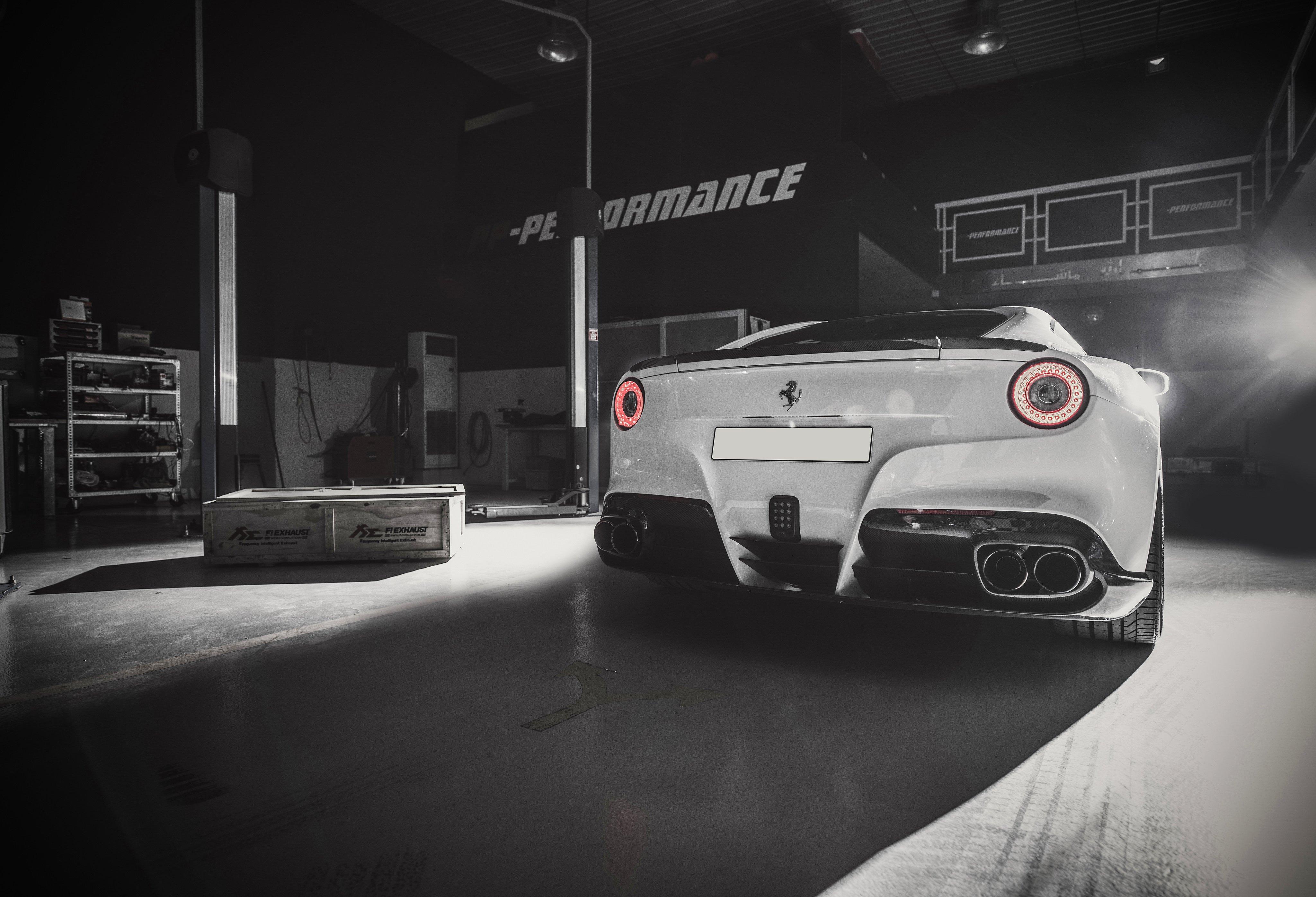 Ferrari F12 Berlinetta Black Wallpaper