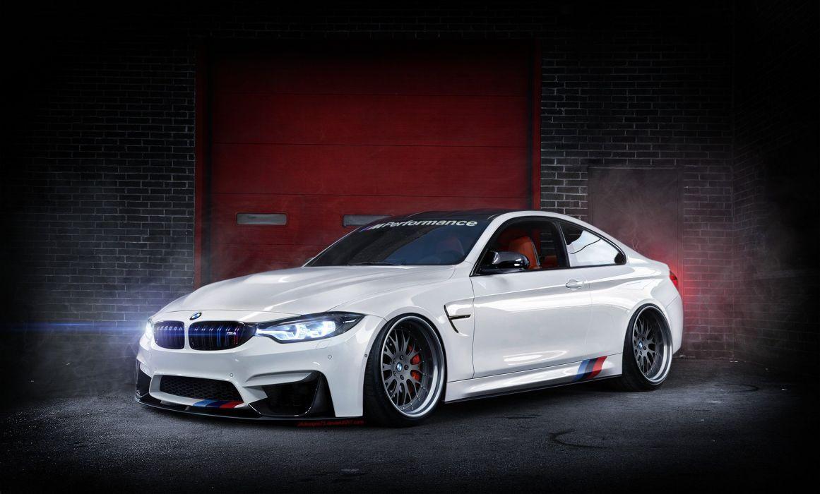 BMW F82 M4 refinished  wallpaper