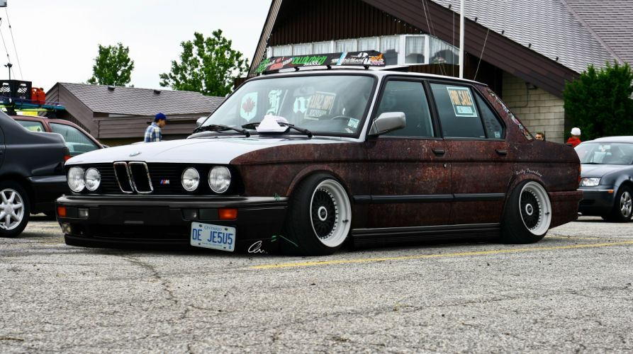Stance Rusty BMW wallpaper