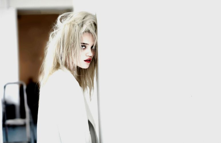 SKY FERREIRA singer pop synthpop indie rock dance model actress babe sexy wallpaper
