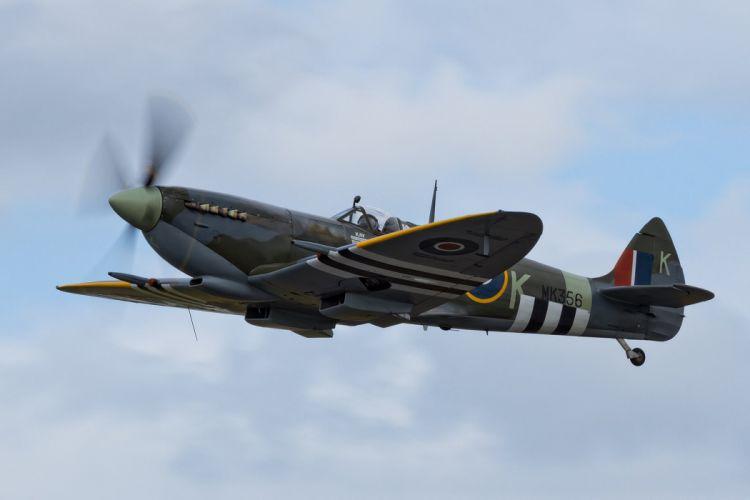 Supermarine Spitfire airplanes Warbirds RAF uk war sky aeroplane aircraft airshow bomber fighter flight flying wallpaper