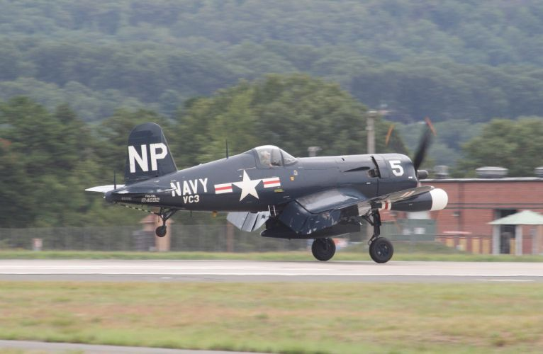 aeroplane aircraft airplanes airshow Fighter North American F4U-4 Corsair Flight Flying war wallpaper