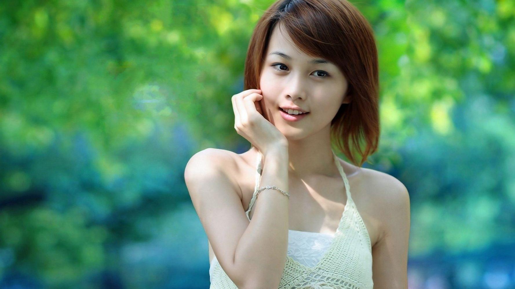 young-asian-girls-on-white-women-older-redhead-ariel