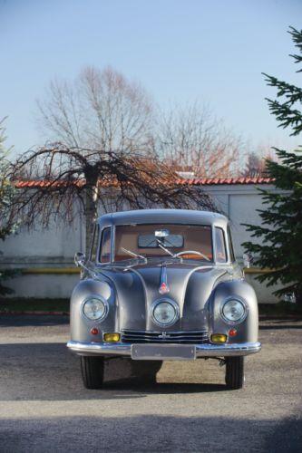 1948-50 Tatra T87 retro 4-door russian wallpaper
