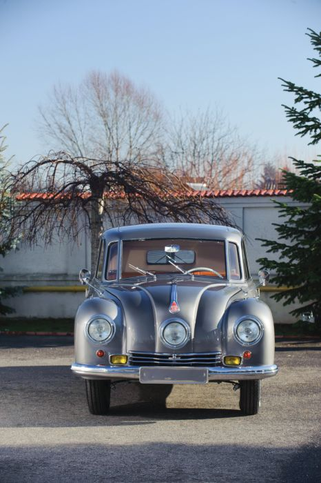 1948-50 Tatra T87 retro 4-door russian wallpaper