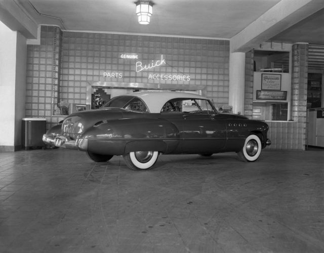 1949 Buick Roadmaster Riviera 76R-4737 luxury retro wallpaper