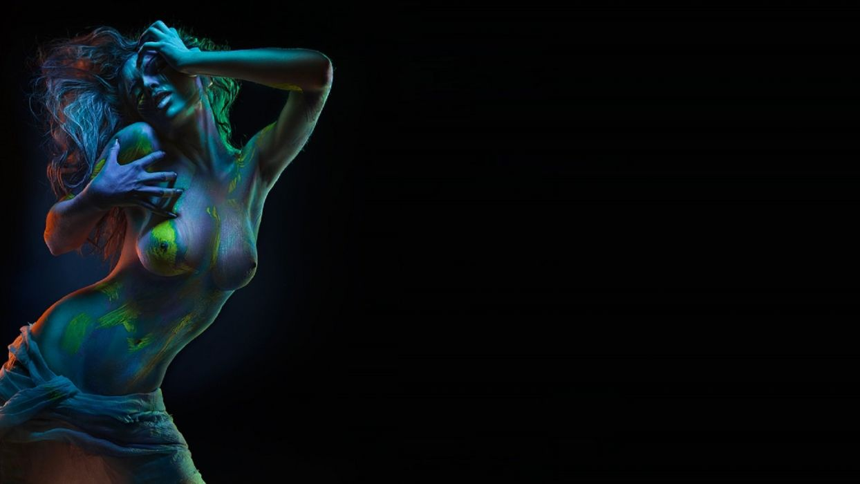 Uma Jolie Naughty Little Maid Nude Screen Saver Real Orgasms