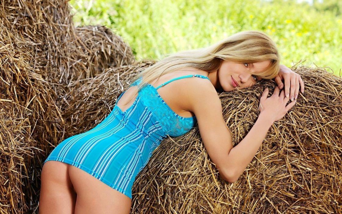 SENSUALITY - blonde girl nature hay wallpaper