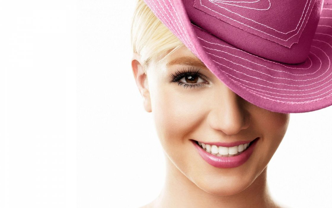 britney-spears-pink-hat-wallpaper-943--2560-x-1600-widescreen wallpaper
