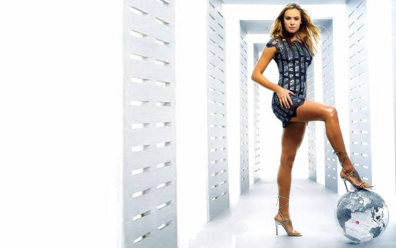 kristanna-loken-sexy-legs-wallpaper-1345--1920-x-1200-widescreen wallpaper