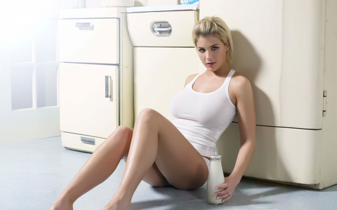 gemma-atkinson-sexy-wallpaper-462--2560-x-1600-widescreen wallpaper