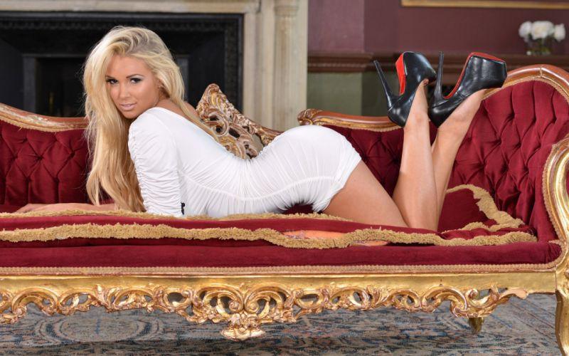 model female babe blonde girl woman wallpaper
