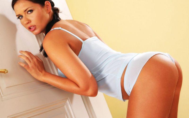 Veronica Da Souza Posing Sexy wallpaper