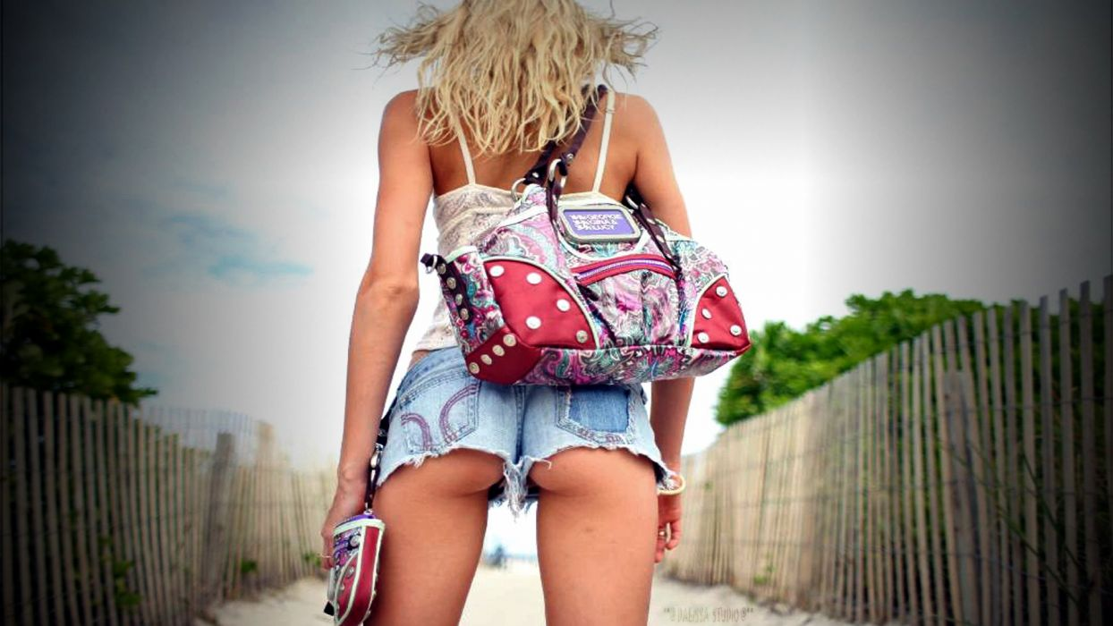 JEANS - sensuality girl blonde splendid short bag wallpaper
