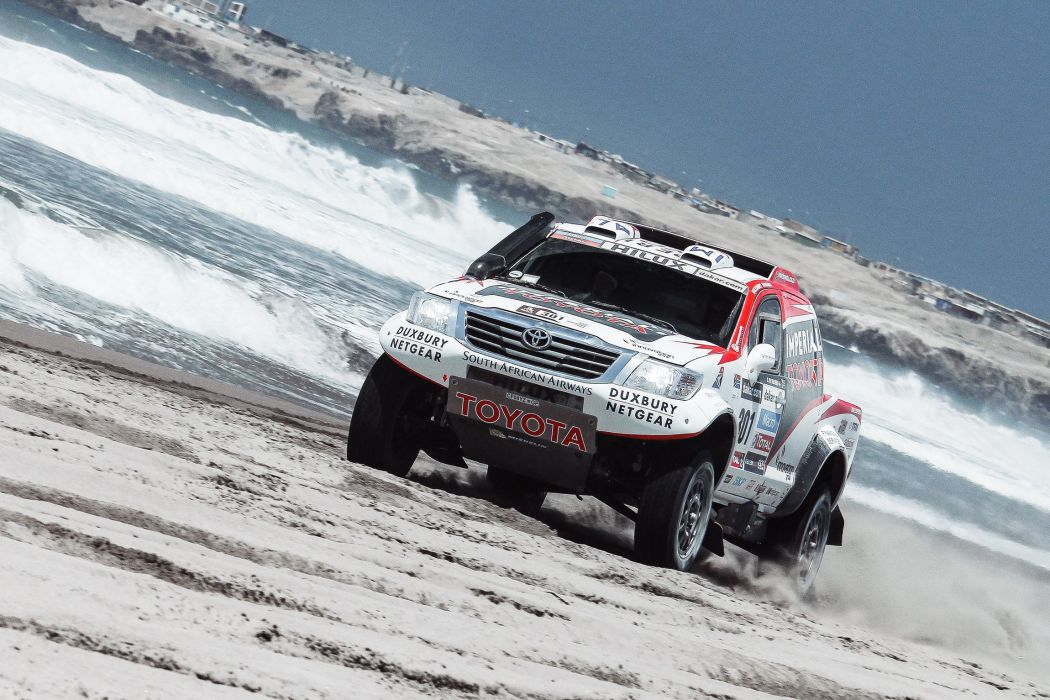 toyota hilux rally car wallpaper