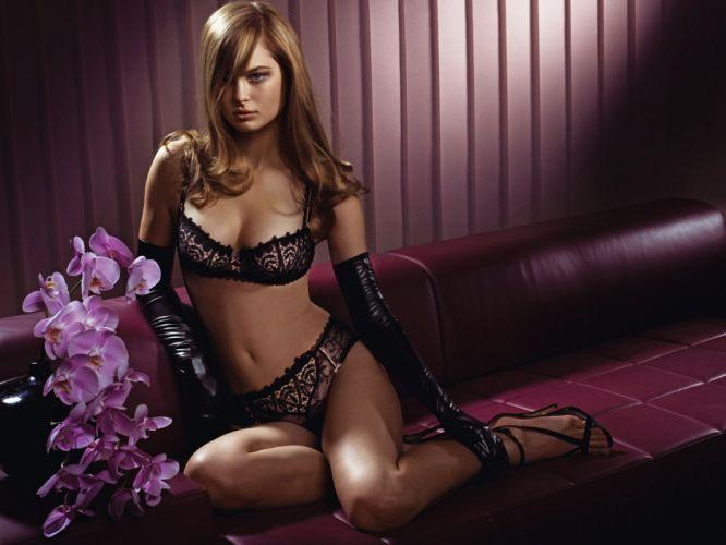 sexy girl 5 627340 43934 wallpaper
