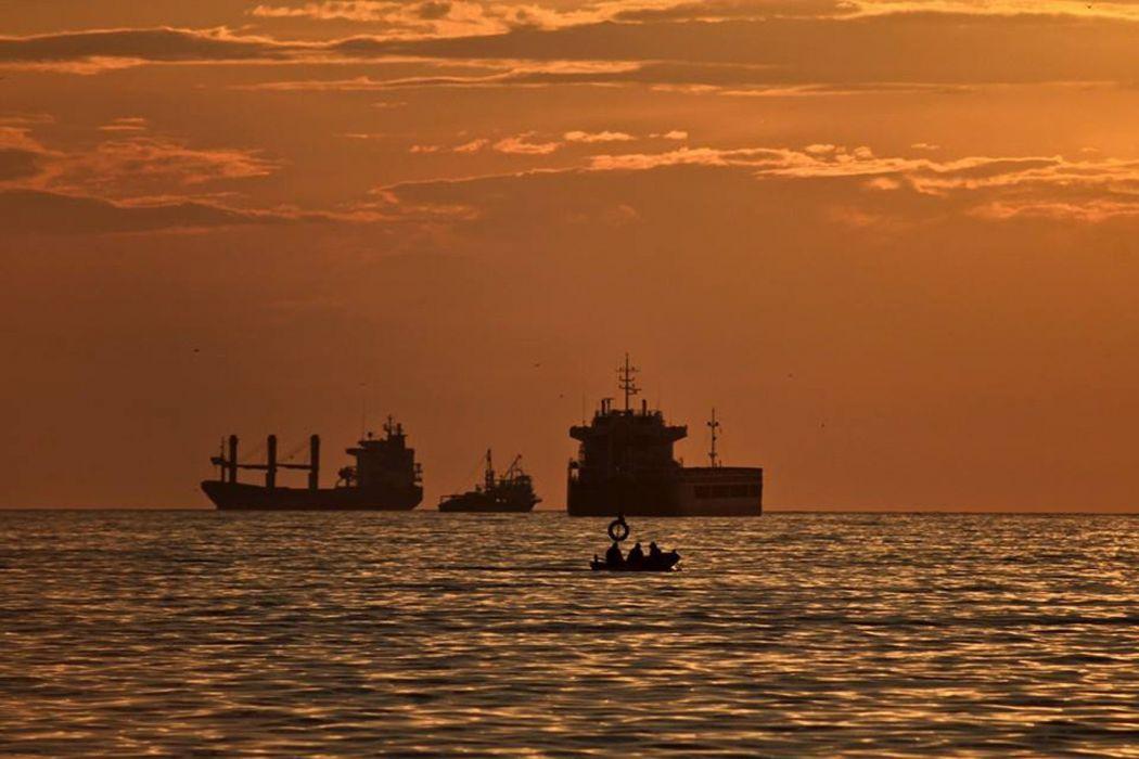 sunset sea bursa turkey beautiful landscape fishing boats wallpaper