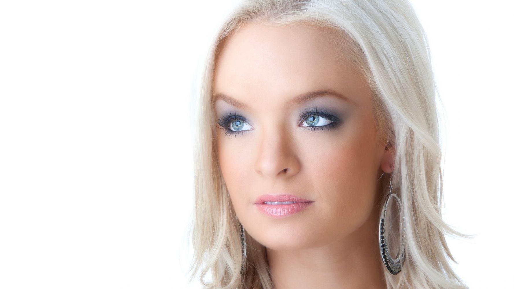 Тупая голубоглазая блондинка — img 3