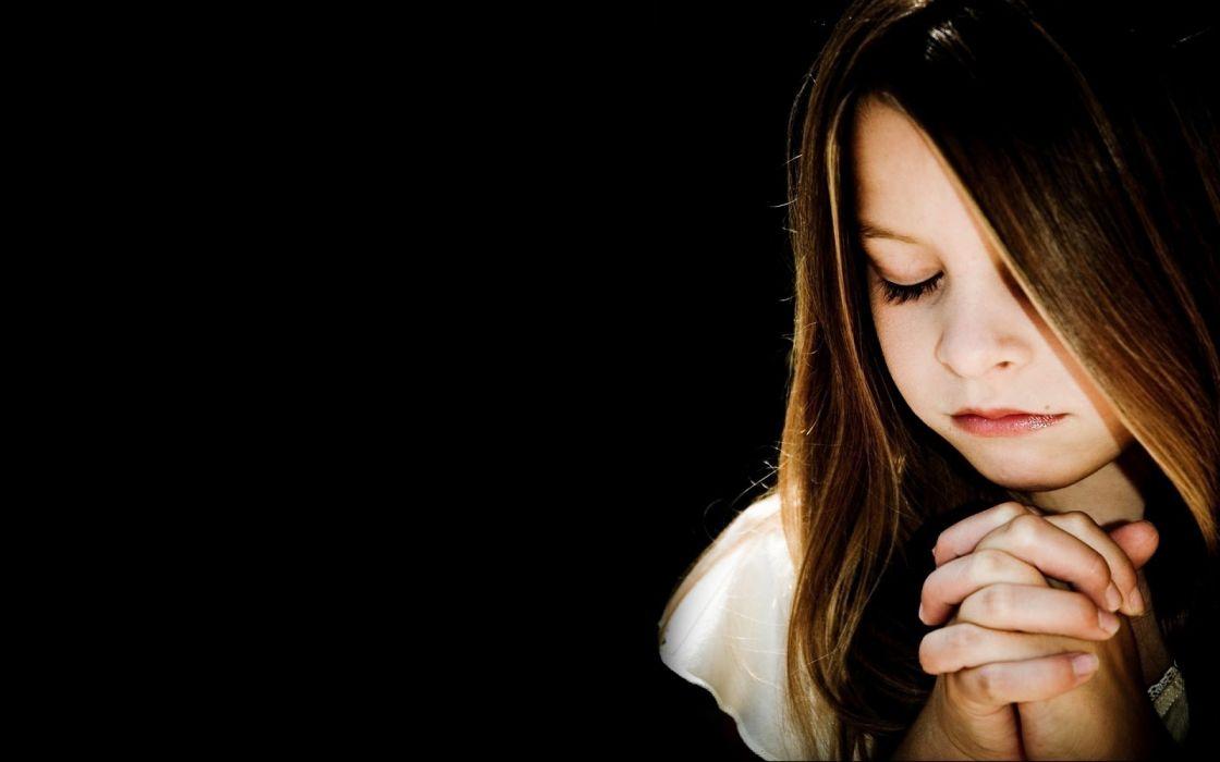 mood children girl prayer wallpaper
