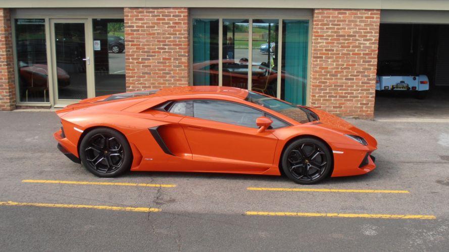 Lamborghini Aventador LP700-4 orange wallpaper