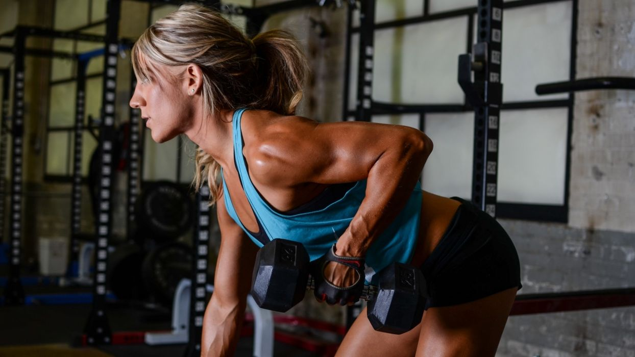 SPORTS - girl fitness exercise weight bodybuilding arm wallpaper