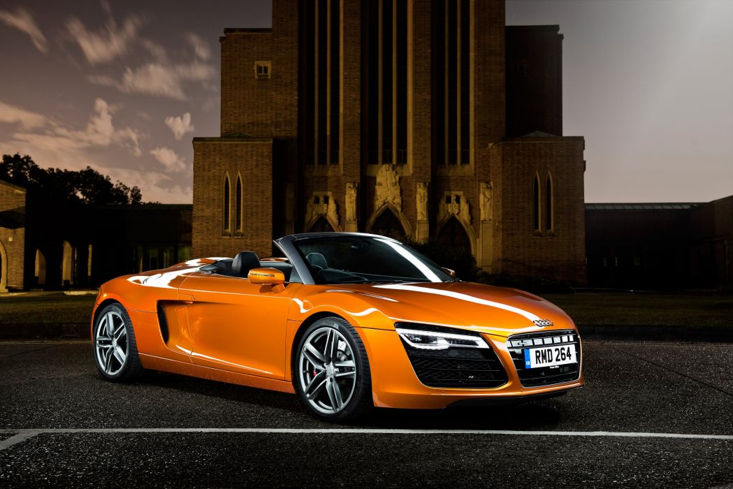 2013 Audi R-8 Spyder UK-spec wallpaper