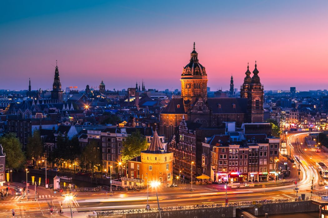 Amsterdam Nederland Amsterdam Netherlands city night sunset home church cathedral buildings roofs roads cars street lights exposure wallpaper