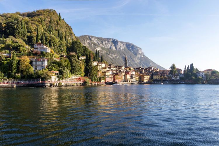 Italy Houses Sea Griante Lombardy Cities wallpaper