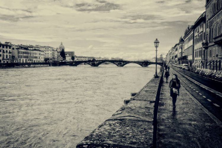 italy florence river people mood black white b-w wallpaper